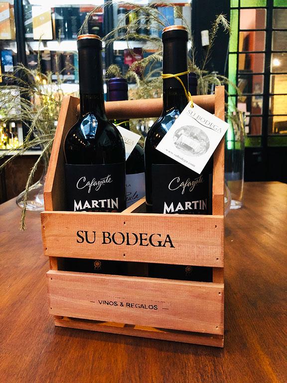 Cajoncito madera x 4 vinos: 2 Martín Bruno / 2 Paula